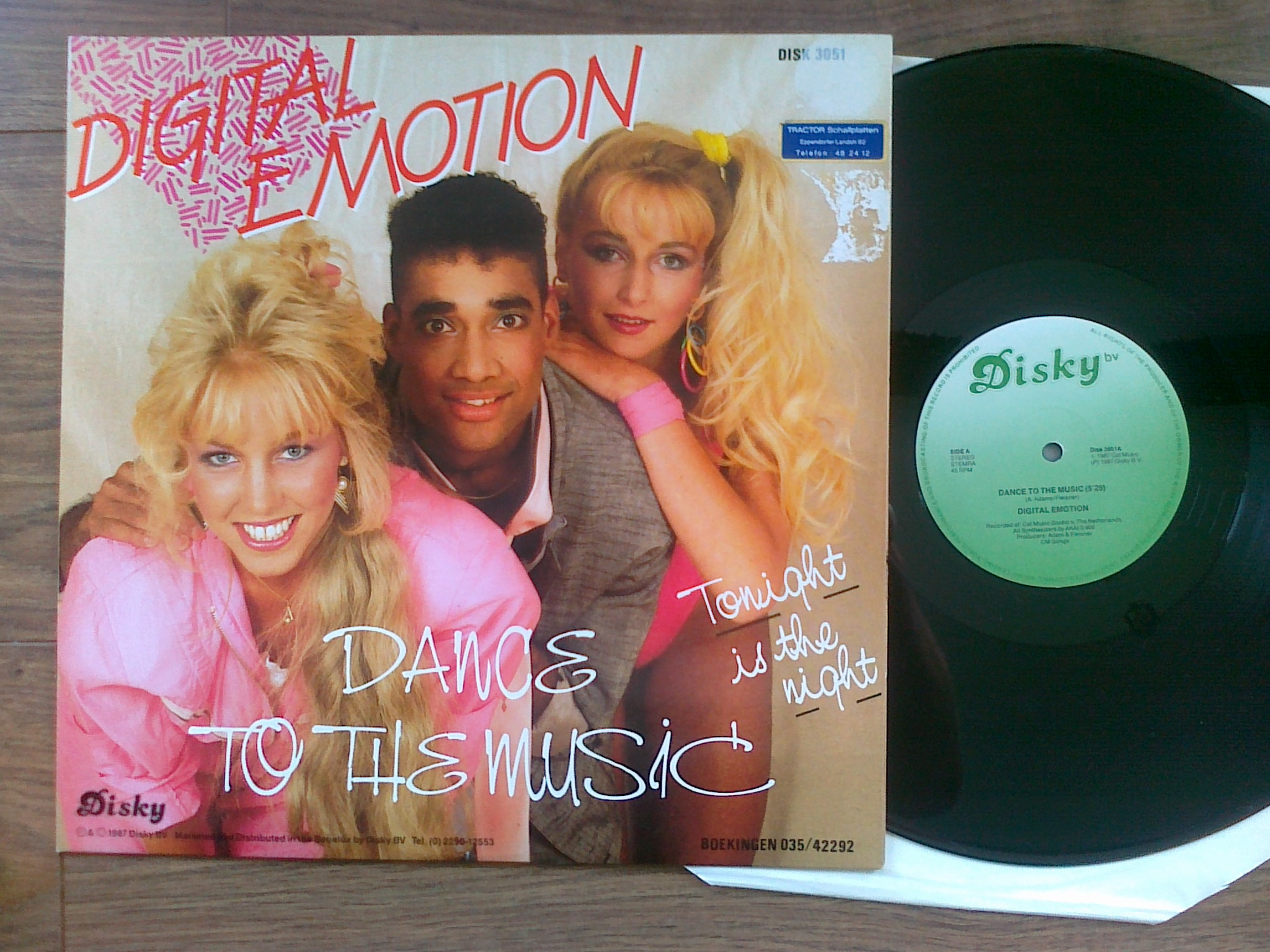 Digital Emotion - Dance To The Music