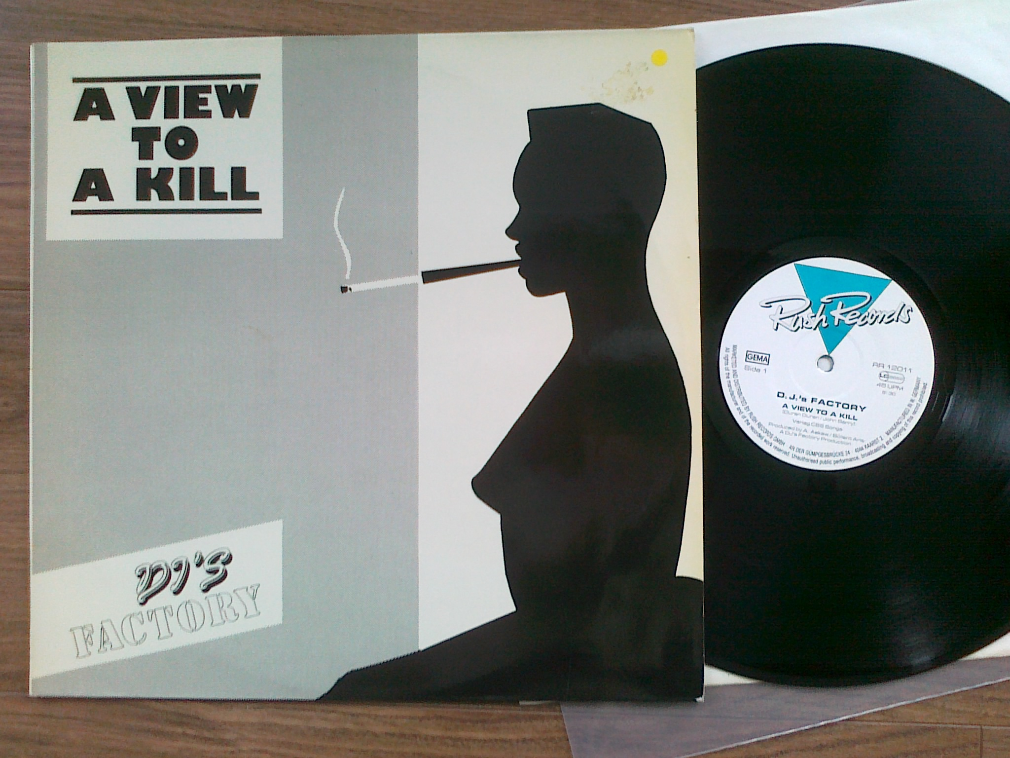DJ s Factory - A View To Kill