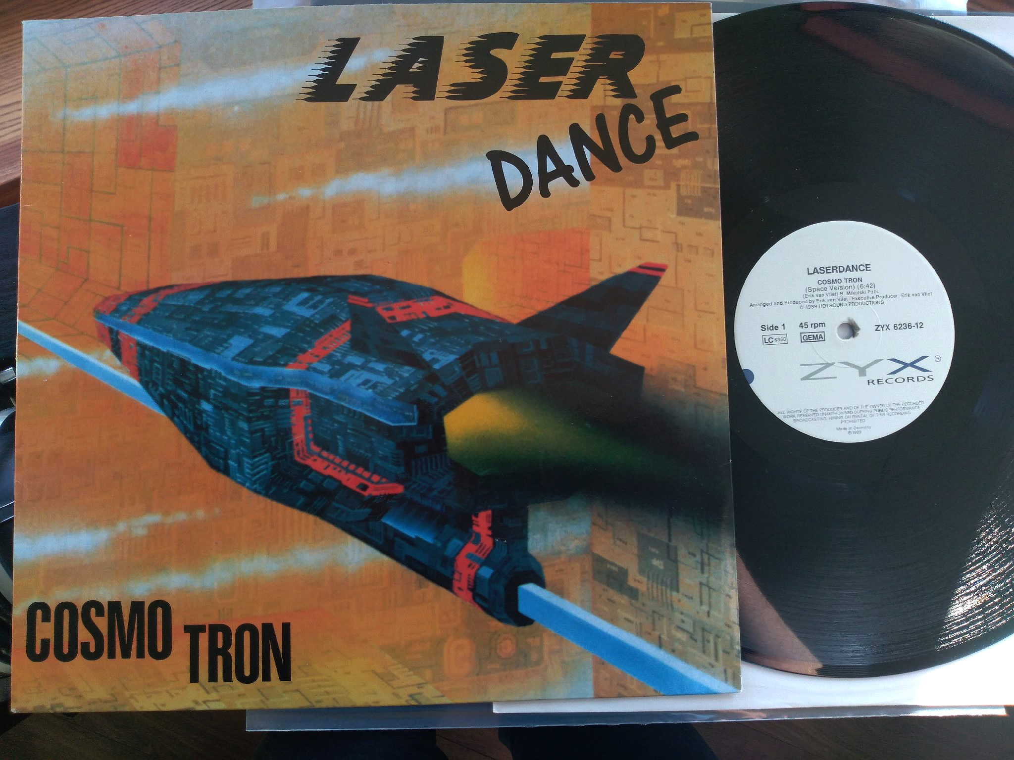 Laser Dance - Cosmo Tron