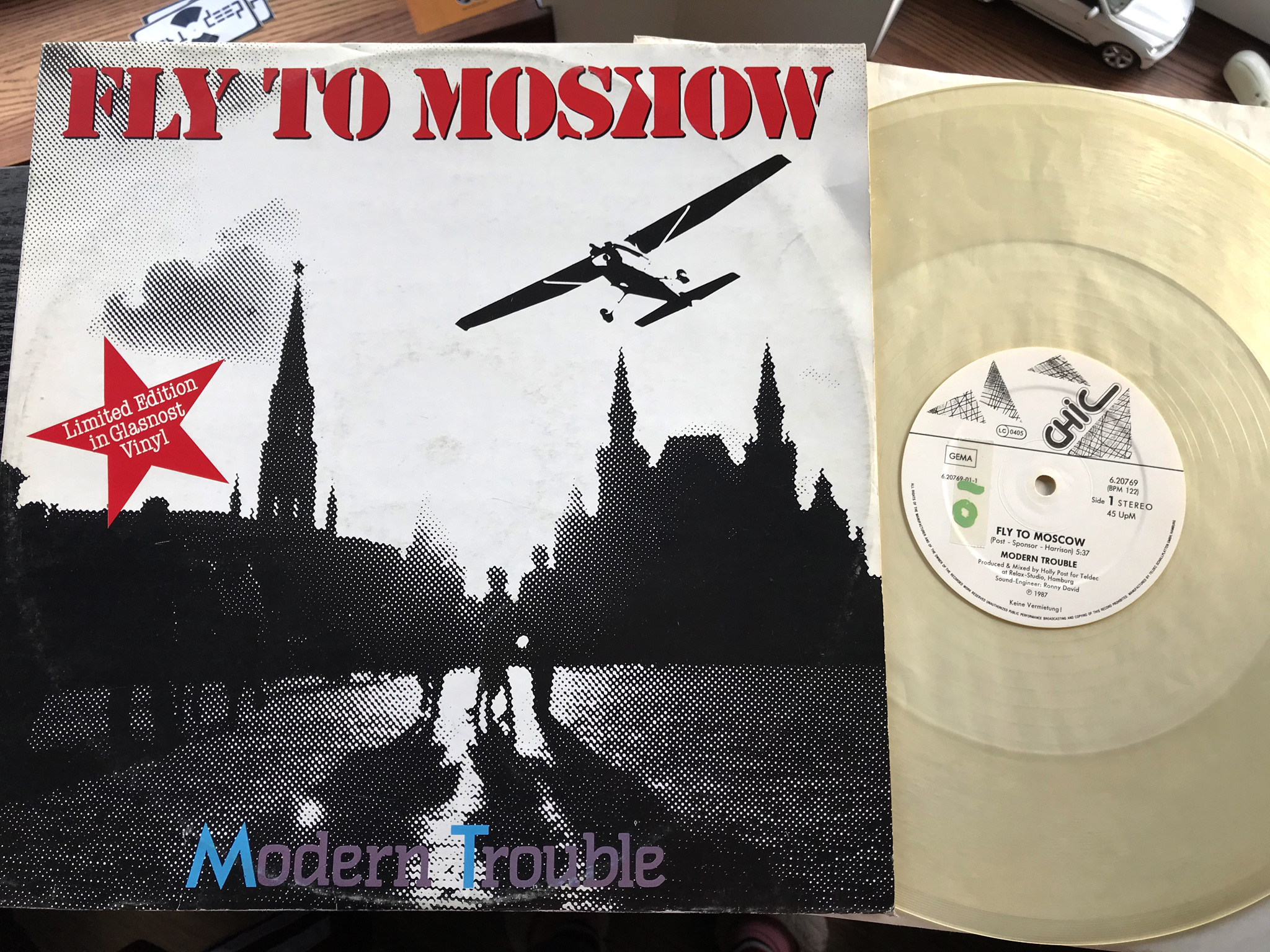 Modern Trouble - Fly to Moskow